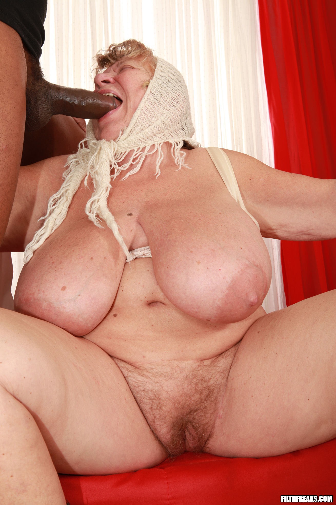 hot mexican chichis nude