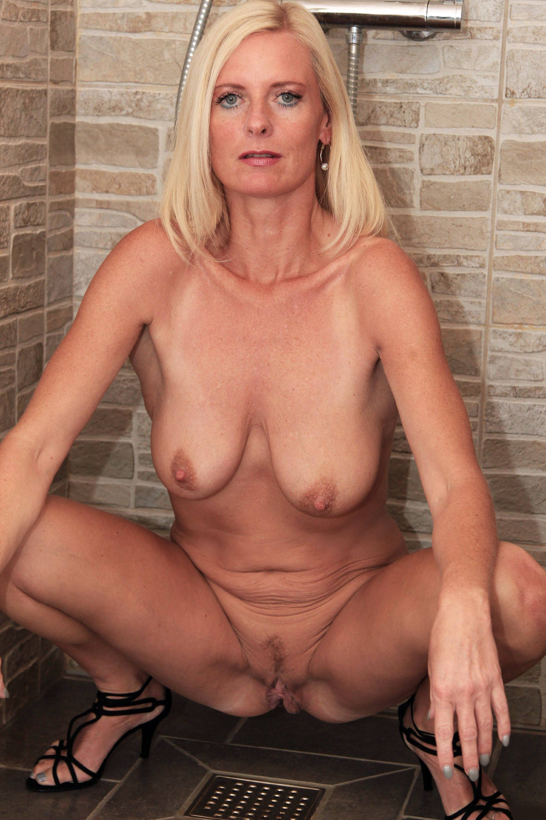 nude pics of girl gymest