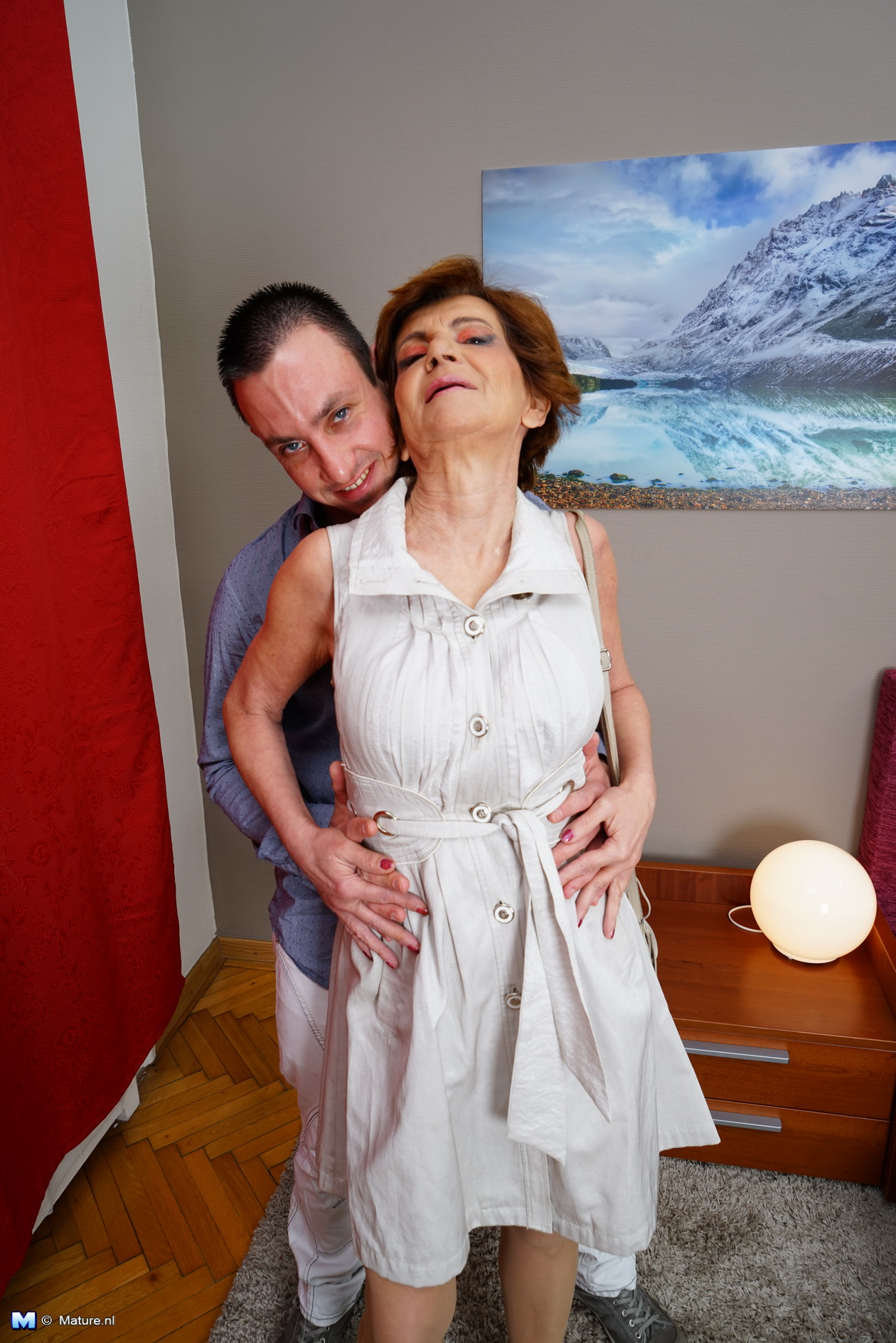 blindfolded mom thinks it hes husbend porn
